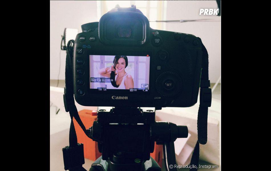 Bruna Marquezine estava no Copacabana Palace em sessão de fotos para campanha publicitária