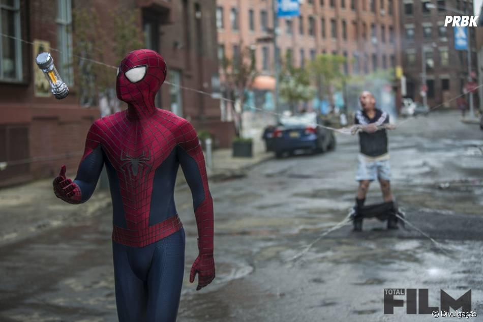 """O Homem-Aranha (Andrew Garfield) também se diverte em """"O Espetacular Homem-Aranha 2"""""""
