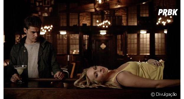 """Em """"The Vampire Diaries"""": Caroline (Candice Accola) convence Stefan (Paul Wesley) de desligar sua humanidade!"""