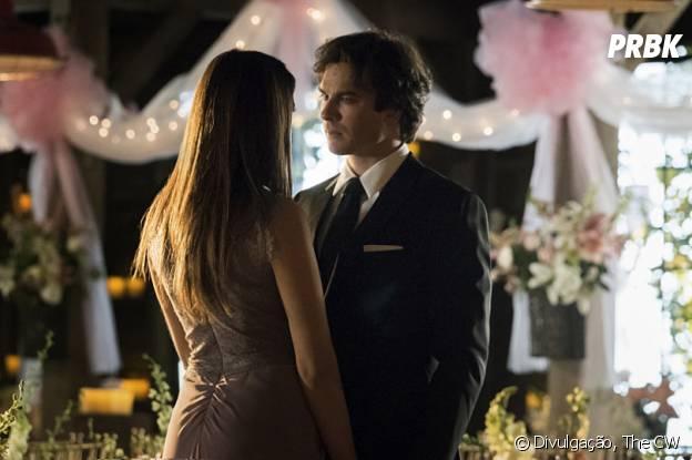 "Em ""The Vampire Diaries"", Elena (Nina Dobrev) e Damon (Ian Somerhalder) planejam futuro juntos"
