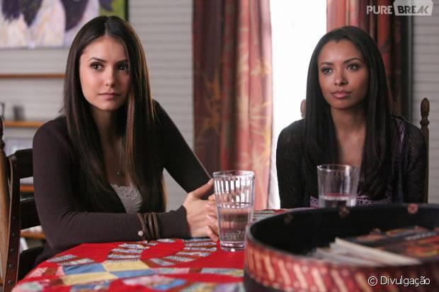 """Em """"The Vampire Diaries"""": Elena (Nina Dobrev) e Bonnie têm almas ligadas!"""