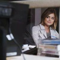 """Em """"Pretty Little Liars"""": na 6ª temporada, Aria aparece com novo namorado nas imagens promocionais!"""
