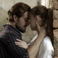 """Final """"Além do Tempo"""": Lívia (Aline Moraes) e Felipe caem de penhasco ao se assustarem com Pedro"""