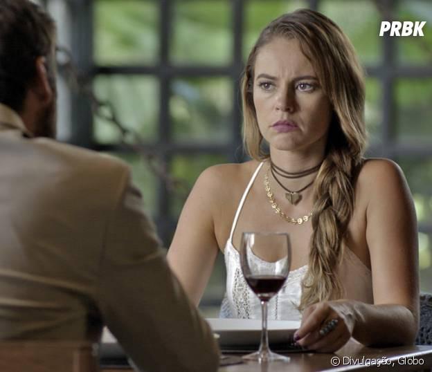 """Novela """"Além do Tempo"""": Melissa (Paolla Oliveira) mata Pedro (Emílio Dantas) para salvar Felipe (Rafael Cardoso) e Lívia (Alinne Moraes)!"""