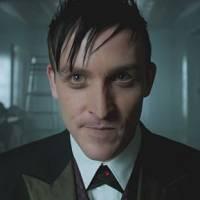 """Em """"Gotham"""": na 2ª temporada, Pinguim vai agir ao lado do próprio pai no retorno da série!"""