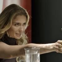 """Novela """"A Regra do Jogo"""": Atena (Giovanna Antonelli) acha que Romero vai pedir sua mão em casamento!"""