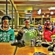 Caio Castro viajou para fazer snowboard e fugir do calor brasileiro