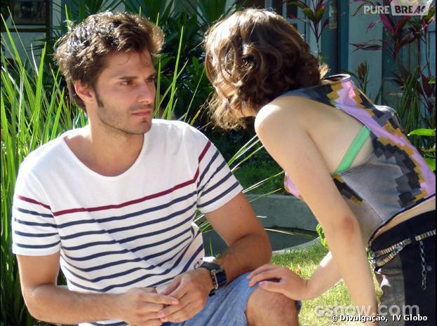 """Martin (Hugo Bonemer) fará um pedido para Micaela (Laís Pinho) em """"Malhação"""""""