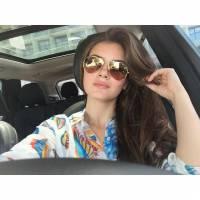 """Camila Queiroz, de """"Êta Mundo Bom!"""", revela vontade de mudar o cabelo: """"Acho que é bom pra gente"""""""