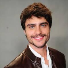 """Guilherme Leicam, de """"Em Família"""", sobre namoro: """"Estou gostando da solteirice""""!"""