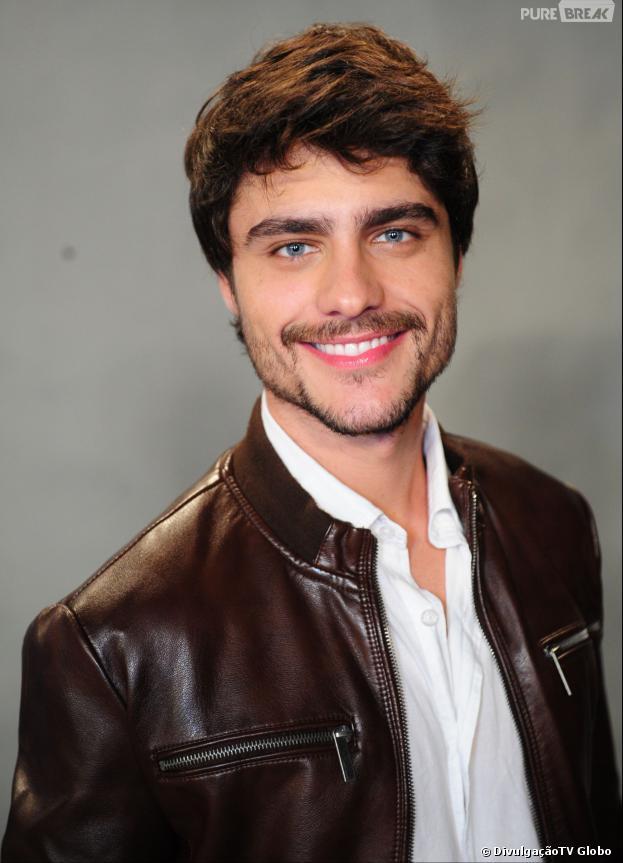 """Guilherme Leicam, o protagonista de """"Em Família"""", falou sobre namoro!"""