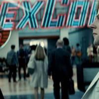 """De """"Batman Vs Superman"""": Lex Luthor aparece com homem misterioso e fãs suspeitam que seja seu pai!"""