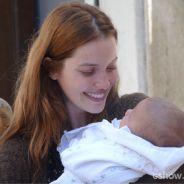"""Em """"Joia Rara"""": Silvia vê seu filho depois do acidente e se emociona!"""