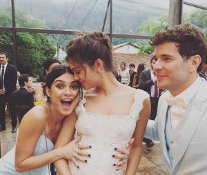 Thaila Ayala curte casamento de Sophie Charlotte e Daniel de Oliveira e posta fotos nas redes sociais