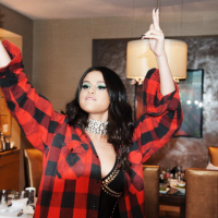 """Selena Gomez e a """"Revival Tour"""": cantora tem datas marcadas na Ásia e turnê pode ser mundial!"""