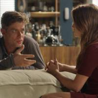 "Novela ""Totalmente Demais"": Arthur flagra Eliza (Marina Ruy Barbosa) com outro e ataca a modelo"