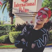 MC Gui se veste de Harry Potter em Orlando, posta foto no Facebook e fãs elogiam o gato!