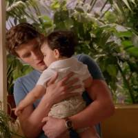 "Em ""Jane the Virgin"": na 2ª temporada, Michael é chamado de papai por Mateo em novo trailer!"