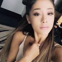 Ariana Grande dá resposta afiada a xingamento de seguidor e recebe elogios dos fãs! Confira!