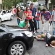 """Em """"Cúmplices de Um Resgate"""": Priscila (Giovanna Chaves) foi atropelada e agora se encontra em situação delicada"""