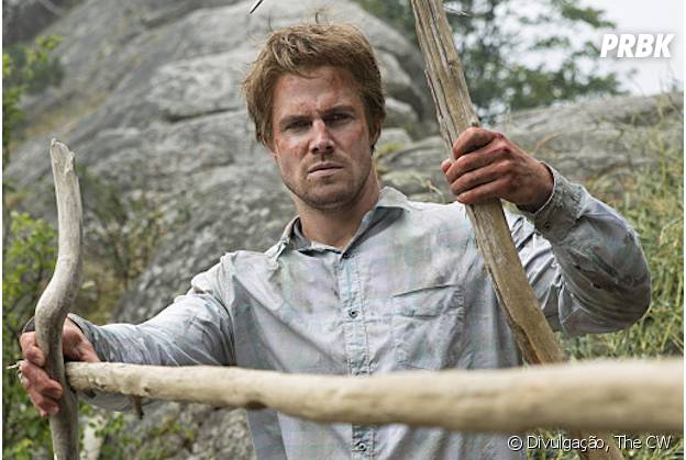 """Em """"Arrow"""", segredos de Oliver (Stephen Amell) ainda serão revelados nos flashbacks!"""