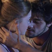"Novela ""Totalmente Demais"": Eliza (Marina Ruy Barbosa) beija Jonatas e Arthur flagra tudo!"