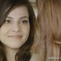 """Na novela """"Em Família"""": Marina se declara para Clara durante viagem!"""
