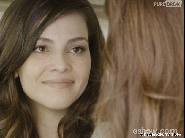 "Na novela ""Em Família"", Marina (Tainá Müller) vai se declarar para Clara (Giovanna Antonelli)!"