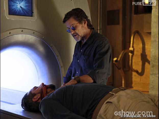 """LC (Antonio Calloni) coloca Hermes (Alexandre Nero) na máquina da Felicidade em """"Além do Horizonte"""""""