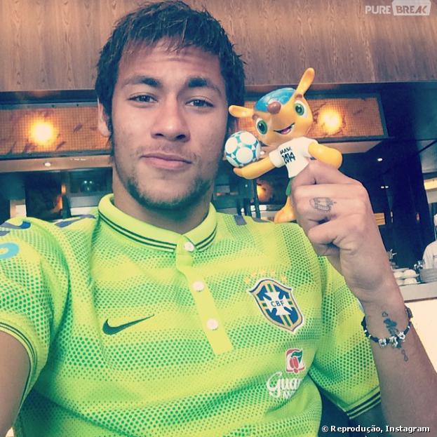 Neymar é um dos craques do jogo Brasil X África do Sul, nesta quarta-feira (5)