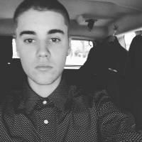 """Justin Bieber se recusa a tirar fotos com os fãs daqui pra frente: """"Me sinto um animal de zoológico"""""""