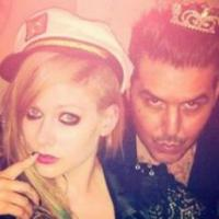 """Avril Lavigne, no Twitter, avisa fãs brasileiros """"Estamos indo para o Brasil!"""""""