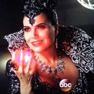 "Em ""Once Upon A Time"": no final da 5ª temporada, Regina (Lana Parrilla) volta a ser a #EvilQueen!"