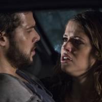 """Novela """"Haja Coração"""": Camila (Agatha Moreira) e Giovanni (Jayme Matarazzo) se beijam!"""