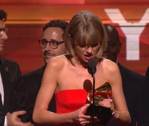 Taylor Swift manda indireta para Kanye West no Grammy