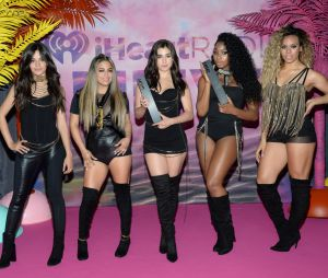 Fifth Harmony, após performance e prêmio, aparece com looks pretos no MuchMusic Awards 2016