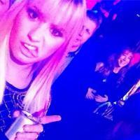 Demi Lovato rebate crítica de comediante! Cantora não leva desaforo para casa!