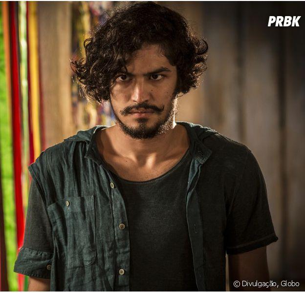 """Em """"Velho Chico"""": Miguel (Gabriel Leone) procura Santo (Domingos Montagner) após nova briga com Afrânio (Antonio Fagundes)"""