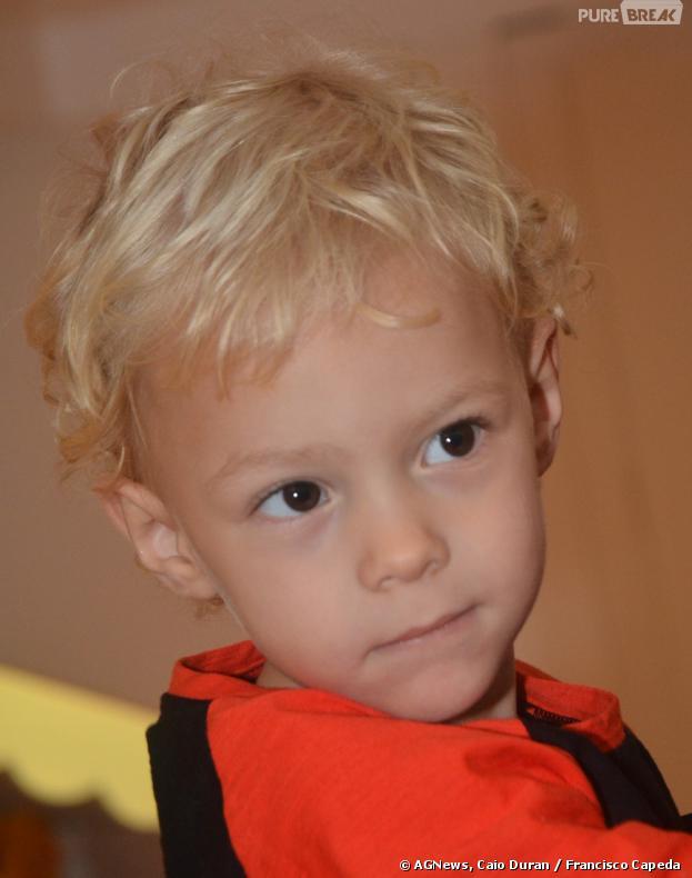 Filho de Neymar, Davi Lucca, participa de desfile de marca infantil