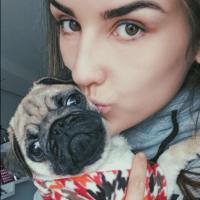 Kéfera Buchmann e Gusta Stockler lamentam morte da cadelinha Potyra e fãs manifestam apoio!