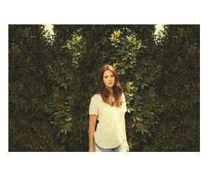 Lana Del Rey cita bairro de cidade carioca em nova música