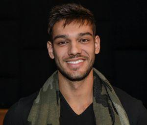 Após passar mal em show, Lucas Lucco cancela compromissos profissionais