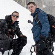Nick Jonas fica só de cueca e encara desafio congelante em programa de TV americano!