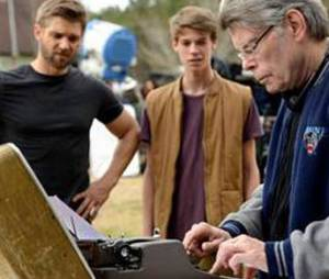 "Stephen King, o autor de ""Under the Dome"", dirigirá o primeiro episódio da segunda temporada!"