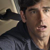 """Novela """"Haja Coração"""": Felipe (Marcos Pitombo) salva Shirlei de acidente de carro!"""