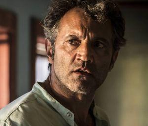 """Santo (Domingos Montagner) fica surpreso ao ver queAfrânio (Antonio Fagundes) está mudado em """"Velho Chico"""""""