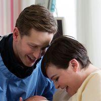 """Em """"Once Upon a Time"""": No season finale, nasce filho de Snow e Charming!"""