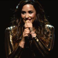 """Demi Lovato libera clipe ao vivo de """"Body Say"""" de surpresa para os fãs. Assista agora!"""