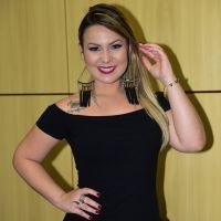 """Maria Claudia, do """"BBB16"""", fala sobre sexo e revela ter transado com apenas 2 homens!"""