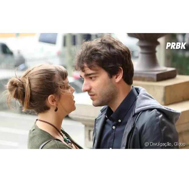 """Em """"A Lei do Amor"""": Isabela (Alice Wegmann) e Tiago (Humberto Carrão) transam pela primeira vez!"""